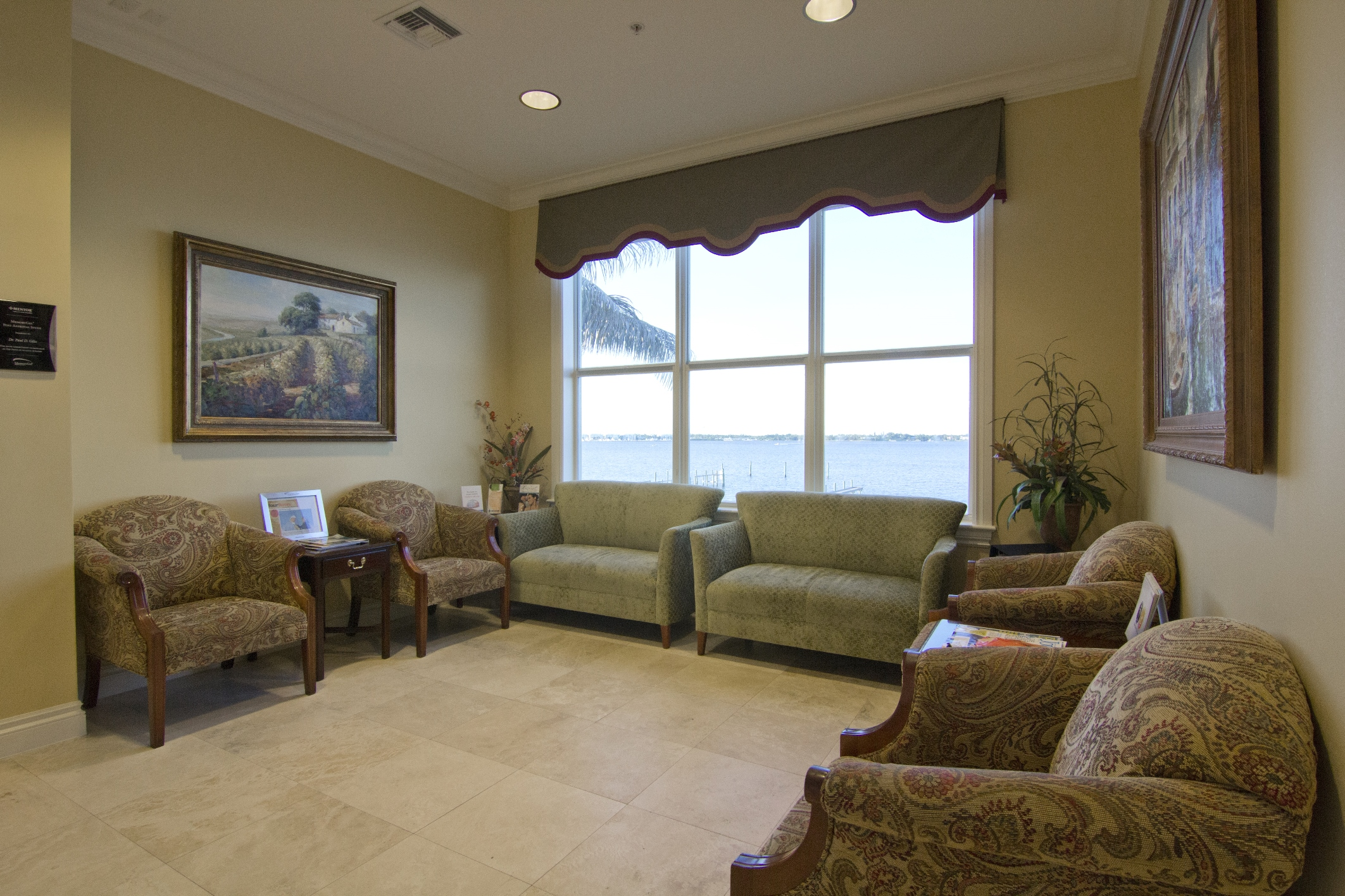 Giles Cosmetic Surgery Center Waiting Room